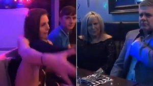 Stătea cu părinții la masă când dintr-o dată a recurs la un gest uimitor. Tatăl fetei a amuțit, iar fratele a început să filmeze instant. Tânăra a arătat tot