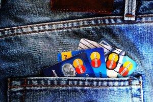 Un român a clonat cardul unui italian și s-a pus pe cumpărături. Ce a descoperit după câteva ore