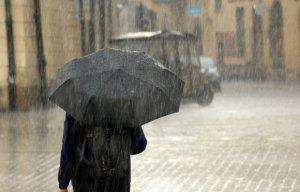 Cod roșu de furtună și grindină în mai multe județe din România