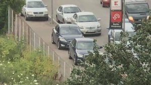 """Se aflau în trafic, în zona Pipera, când au observat ceva total neobișnuit. """"Cum să faci asta?"""" (FOTO)"""