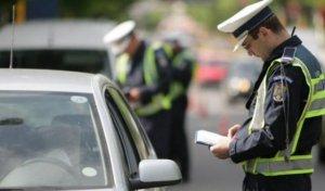 Se afla la volan, când a fost oprit de polițiști pe o stradă din Bistrița. Oamenilor legii nu le-a venit să creadă ce au văzut când au deschis portbagajul - VIDEO