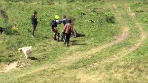 Belgianul bătut de ciobani, dezvăluiri şocante: ''M-au bătut ca pe un animal. Cu bâta, aşa. Am crezut că mă omoară!''
