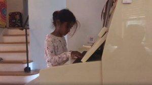 Ce face Sorina, în noua ei casă din America: Vădește curiozități noi pe care părinții ei se gândesc să le cultive - VIDEO