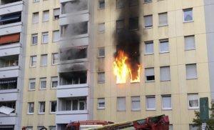 Incendiu provocat de o trotinetă electrică, în Germania. Zece persoane au inhalat gaze toxice