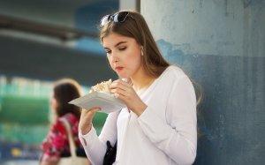 Ce să NU mănânci niciodată pe stomacul gol. Iată de ce!