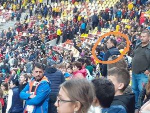 Primarii din Vrancea au păcălit UEFA și au mers pe stadion la meciul România-Norvegia