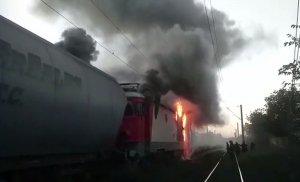 Panică pe calea ferată. Locomotiva trenului Cluj-Napoca - Viena a luat foc