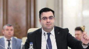 """Răzvan Cuc, replică acidă pentru Victor Ponta: """"Cel mai bine ar fi să rămâneți cu ce știti cel mai bine. Cu trădarea și minciuna!"""""""