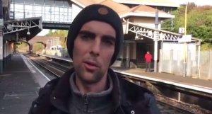 Mihai a plecat în Marea Britanie să lucreze pentru o companie uriașă. A ajuns să doarmă în gări și în trenuri, după ce a înțeles pe propria piele cum este sistemul britanic. Acum se gândește tot mai mult la România