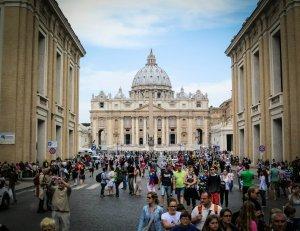 Vaticanul, în pragul unui posibil faliment. Răspunsul Sfântului Scaun nu a întârziat să apară
