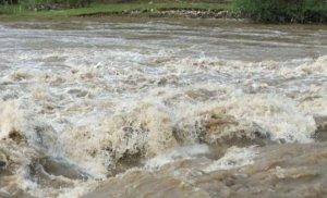 Inundaţii devastatoare în Spania după o serie neîntreruptă de furtuni. O persoană a murit, altele au dispărut, şoselele sunt acoperite de apă, copacii sunt căzuţi