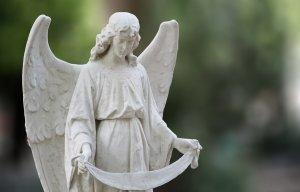 HOROSCOP. Sfatul Arhanghelului Mihail pentru zodii 13 noiembrie. Taurii sunt curioși, Capricornii văd lumina