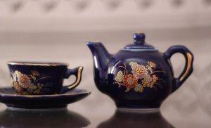 Părea a fi un simplu ceainic, dar s-a dovedit o adevărată comoară pentru o familie de britanici. Valorează un milion de lire sterline!
