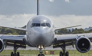 Accident pe aeroportul din Frankfurt. Două avioane cu pasageri s-au lovit