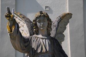 HOROSCOP. Sfatul Arhanghelului Mihail pentru zodii 19 noiembrie. Scorpionii au nevoie de aer proaspăt, Săgetătorii se vindecă prin credință