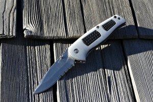 Un elev din Constanța atacat cu un cuțit în timpul unei pauze