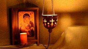 Intrarea Maicii Domnului în Biserică.Ziua în care creștinii fac apă de leac punând vase pline în dreptul sfintelor icoane, împreună cu o lumânare aprinsă