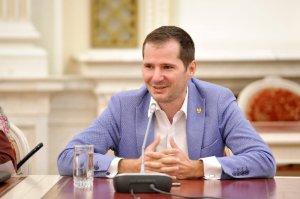 """Lider PNL: """"PSD face presiuni pentru votul de duminică"""""""