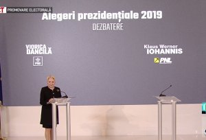 Viorica Dăncilă: Trebuia să fie o confruntare cu Klaus Iohannis. I-am adus trei daruri - LIVE TEXT și VIDEO