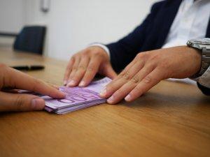 O bancă importantă renunță la România