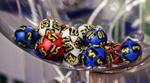 LOTO 6/49.Report uriaș la LOTO 6/49.Câți bani sunt puși în joc de Loteria Română