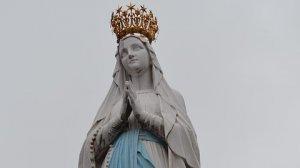 HOROSCOP. Mesajul Fecioarei Maria pentru zodii 9 decembrie. Leii trebuie să se ferească să pozeze în victime, Berbecii găsesc răspunsuri în iubire