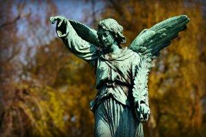 HOROSCOP. Sfatul Arhanghelului Mihail pentru zodii 9 decembrie. Taurii au parte de o surpriză fericită, Leii au gânduri fericite
