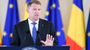 Cine sunt personalitățile condamnate penal, lăsate fără decorație de Klaus Iohannis