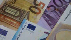 CURS VALUTAR 13 decembrie 2019. Leul s-a apreciat, vineri, în raport cu principalele valute